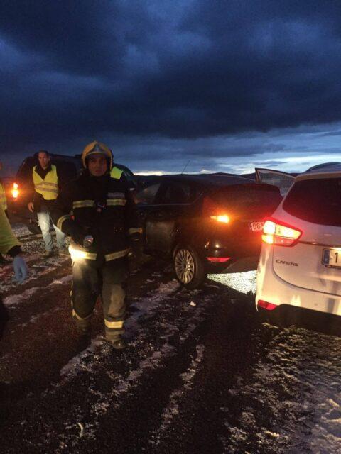 Accidente de tráfico en la A-41  implicados 5 vehículos y 4 heridos leves
