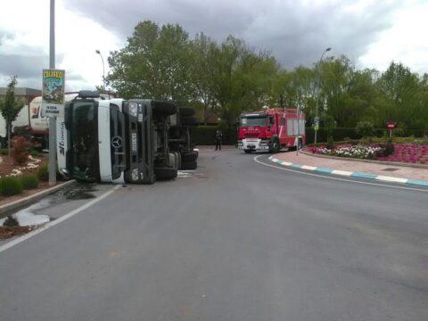 Salida de vía de un camión en Campo de Criptana