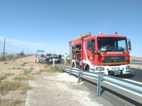 Incendio de vehículo  en Manzanares