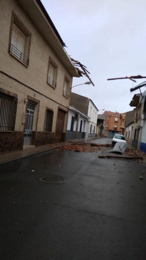 El temporal de viento y lluvia origina más de  30 intervenciones